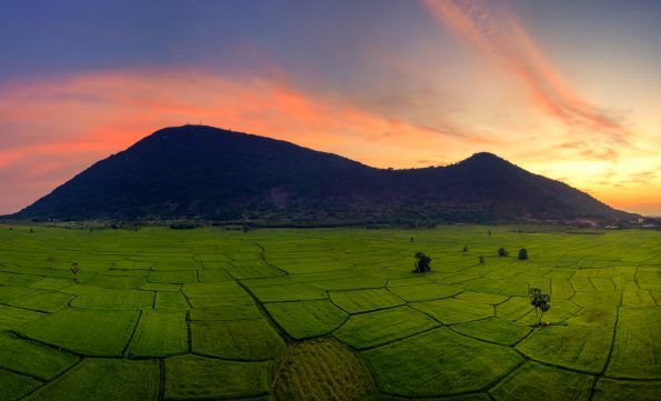 Ba Den mountain sunset